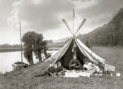 Percy Gordon & friends camping in Harts Wood, c1880, photograph by Henry Taunt, reproduced by permission of Oxfordshire County Council OCL6056
