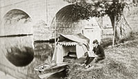 Henry Taunt at Wallingford Bridge c1870, reproduced by permission of the River & Rowing Museum 2004.57.48